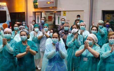 trabajadores sanitarios españoles